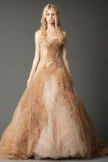pi�kna  be�owa suknia �lubna rozkloszowana Vera Wang   jesie� 2012