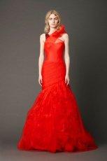 zjawiskowa  koralowa suknia �lubna typu syrena Vera Wang   moda wiosenna 2013