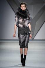 czarna bluzka Vera Wang we wzory   kolekcja jesienna