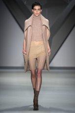 be�owy p�aszcz Vera Wang   moda 2012