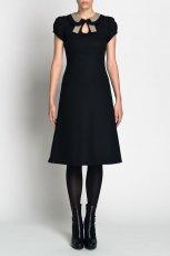 urocza sukienka Simple w kolorze czarnym z modnym ko�nierzykiem - jesie� - zima 2012/13
