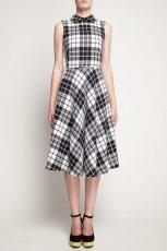 rozkloszowana sukienka Simple w kratk�  - sukienki 2012/13