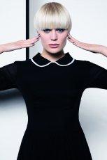 geometryczna fryzura w kolorze blond - Dessange