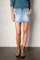 jeansowa sp�dnica Pull and Bear - moda na jesie� i zim� 2012/13