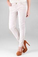 spodnie Stradivarius w kolorze bia�ym - moda damska 2012/13