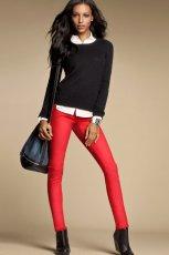seksowne legginsy H&M w kolorze czerwonym - moda na jesie� i zim�