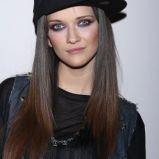 Jula Fabiszewska w czapce z daszkiem
