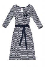 Klasyczna szara sukienka Cropp w paski wi�zana w talii trendy na jesie�-zim�