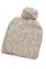 Modna szara czapka Cropp z wyt�oczonym wzorem na sezon jesie�-zima 2012/13