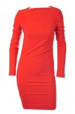 dopasowana sukienka Patrizia Pepe w kolorze czerwonym - moda damska na jesie� i zim�