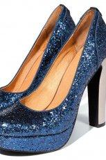 b�yszcz�ce cz�enka Reserved w kolorze granatowym - zjawiskowe buty na sylwestra