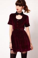 aksamitna sukienka Asos w kolorze bordowym