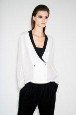 zwiewna narzutka ZARA w kolorze bia�ym - eleganckie ubrania