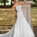 suknia �lubna Annais Bridal z kwiatem z trenem
