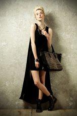 asymetryczna sukienka River Island w kolorze czarnym - sylwestrowe propozycje