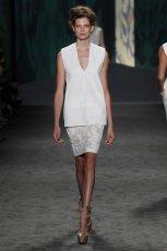 bia�a tunika Vera Wang - modna wiosn� 2013
