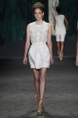 bia�a sp�dnica Vera Wang - wiosna 2013