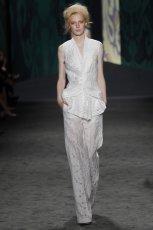 bia�e spodnie Vera Wang - kolekcja wiosenna