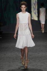sukienka Vera Wang koronkowa - kolekcja wiosenna
