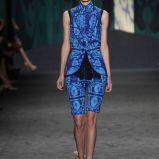 niebieskie szorty Vera Wang we wzory - trendy wiosenne