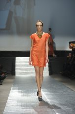 zwiewna sukienka Plich w kolorze pomara�czowym - wiosna 2013