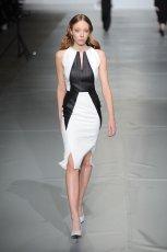 dopasowana sukienka Bohoboco w kolorze bia�o-czarnym - wiosna 2013
