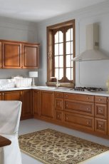 Subtelne meble do kuchni w kolorze jasnego br�zu ze zdobieniami od Black Red White - aran�acje 2013