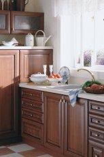 Subtelne meble do kuchni w kolorze ciemnego br�zu ze zdobieniami od Black Red White - aran�acje 2013