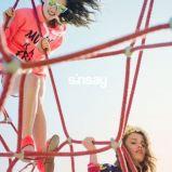 bluzeczka Sinsay z kapturem w kolorze pomara�czowym - wiosna 2013