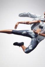 kurtka Nike w kolorze szarym z kapturem - wiosna 2013