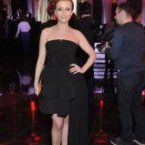 sukienka wieczorowa z falbank� w kolorze czarnym - Katarzyna Zieli�ska