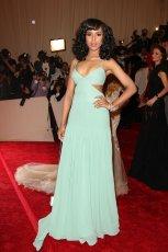 mi�towa suknia z wyci�ciem Kerry Washington