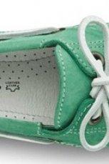 zielone mokasyny Tamaris - wiosenne trendy