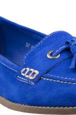 niebieskie mokasyny CCC - buty na wiosn�
