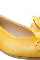 sk�rzane baleriny CCC w kolorze musztardowym - moda 2013