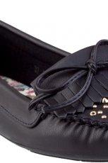 klasyczne mokasyny CCC w kolorze czarnym - obuwie na wiosn� 2013