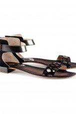 p�askie sanda�ki H&M w kolorze czarnym - lato 2013