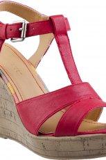czerwone sanda�ki CCC na koturnie - kolekcja wiosenno-letnia