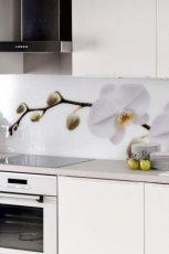 Klasyczne meble kuchenne w kolorze ecru o g�adkiej fakturze modna kuchnia