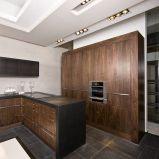 Pi�kne meble kuchenne w kolorze ciemnej czekolady -inspiracje 2013