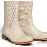 a�urowe botki Reserved w kolorze be�owym - kolekcja obuwia na wiosn� 2013