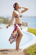 str�j k�pielowy Opera w kwiaty - moda pla�owa na lato 2013
