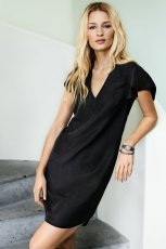 czarna sukienka H&M kr�tka  - kolekcja wiosenno-letnia