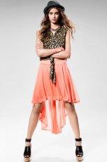 asymetryczna sp�dniczka H&M w kolorze pomara�czowym - trendy na lato 2013