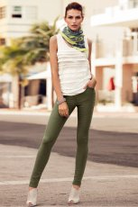 legginsy H&M w kolorze khaki - moda na wiosn� i lato 2013