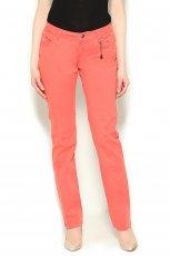 modne spodnie Orsay w kolorze koralowym - spodnie na wiosn� 2013