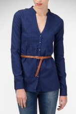 d�uga koszula Stradivarius w kolorze granatowym - moda na lato