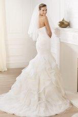 suknia �lubna Pronovias z falbanami