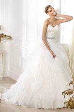 suknia �lubna Pronovias z falbankami z paskiem