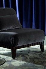 Unikatowy fotel z welurowym popielatym obiciem -Patt Mebel 2013